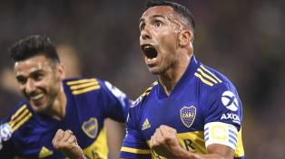 Boca goleó a Godoy Cruz y le pone presión a River en la lucha por el título