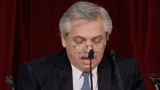 Fernández planteó una agenda que reconstruya el sistema productivo del país