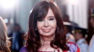"""Cristina recordó a los caídos en Malvinas """"con orgullo, respeto y honor"""""""