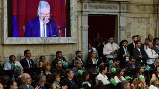 El Presidente habló ante un recinto 'verde' y sin enfrentamientos entre oficialistas y opositores