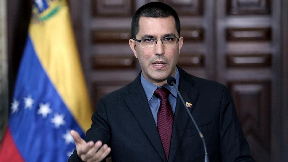 El canciller Arreaza hizo público el bloqueo que sufre su país y reclamó se tomen medidas en el marco de la pnademia.