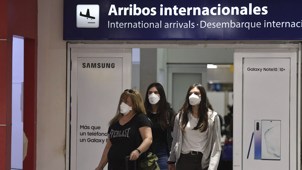 Reunión del Gobierno y las líneas aéreas para analizar la situación por el coronavirus