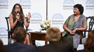 Senado: Gómez Alcorta encabezó la capacitación de la Ley Micaela
