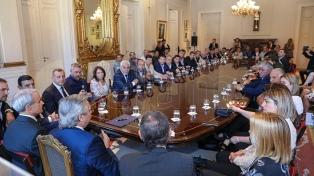 El Presidente recibió a legisladores e intendentes de Córdoba