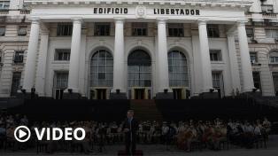 Emotivo debut de la primera orquesta de mujeres de las Fuerzas Armadas