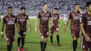 River empató en Tucumán y se le escapó el torneo