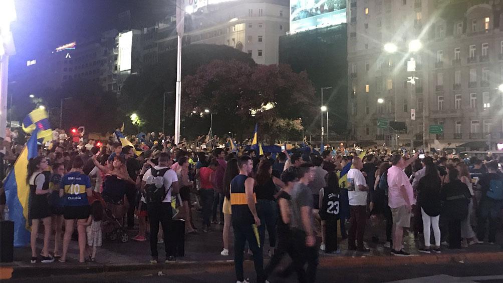 Los hinchas de Boca festejaron el título en el Obelisco