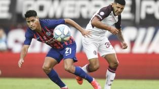 A la espera de un DT, San Lorenzo derrotó en emotivo cotejo a Lanús