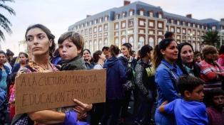Mujeres marcharon en Mar del Plata y pidieron la aparición de Claudia Repetto