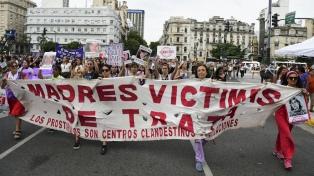 Reconocimiento de tareas domésticas y aborto legal, los reclamos de las sindicalistas y la izquierda