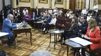 El oficialismo distribuyó en el Senado el texto del dictamen de reforma del Poder Judicial.