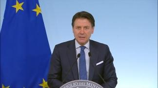 El primer ministro acusó al grupo de incumplir los contratos.