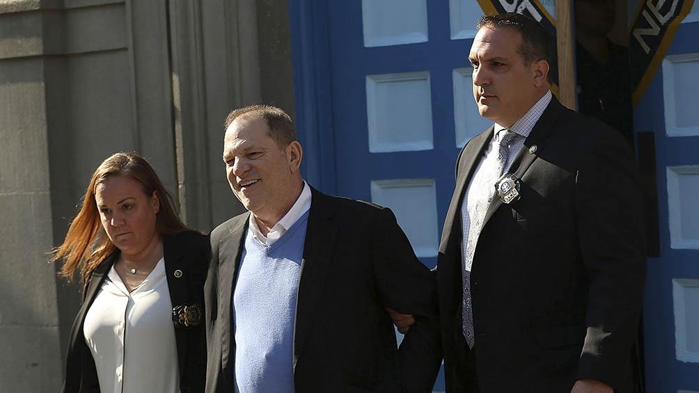 Weinstein cumple una condena de 23 años de prisión en Nueva York por violación y agresión sexual.