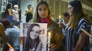 Marcharon con velas y fotos por Paraná para pedir justicia por Fátima Acevedo