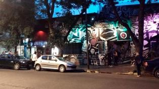 Asesinan a puñaladas a un hombre durante una pelea a la salida de un bar de Palermo