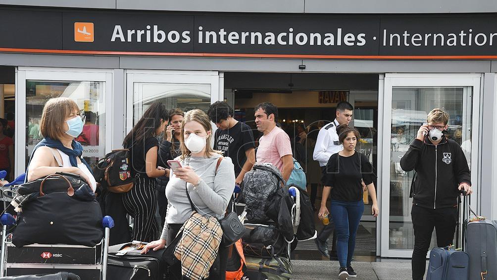 El Gobierno nacional formalizó este viernes la suspensión, a partir del sábado, de los vuelos procedentes de Brasil, Chile y México.