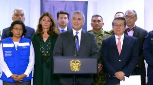 Suspenden el ingreso de viajeros desde el exterior en Colombia