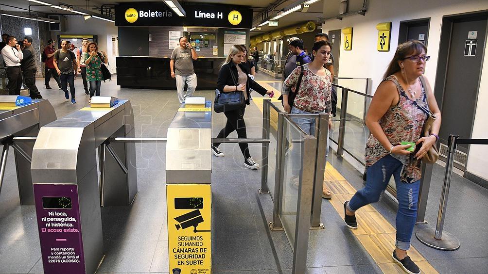 Denuncian que Metrovías aprovechó la pandemia para eliminar puestos de trabajo.