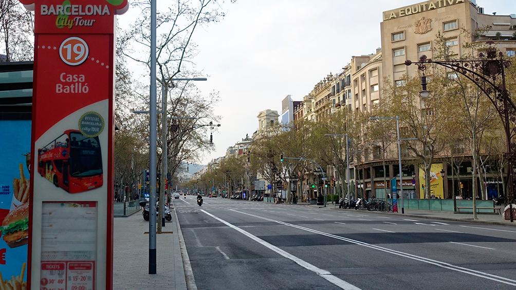 En España, hubo casi 5.000 contagios y 324 muertos en las últimas 24 horas