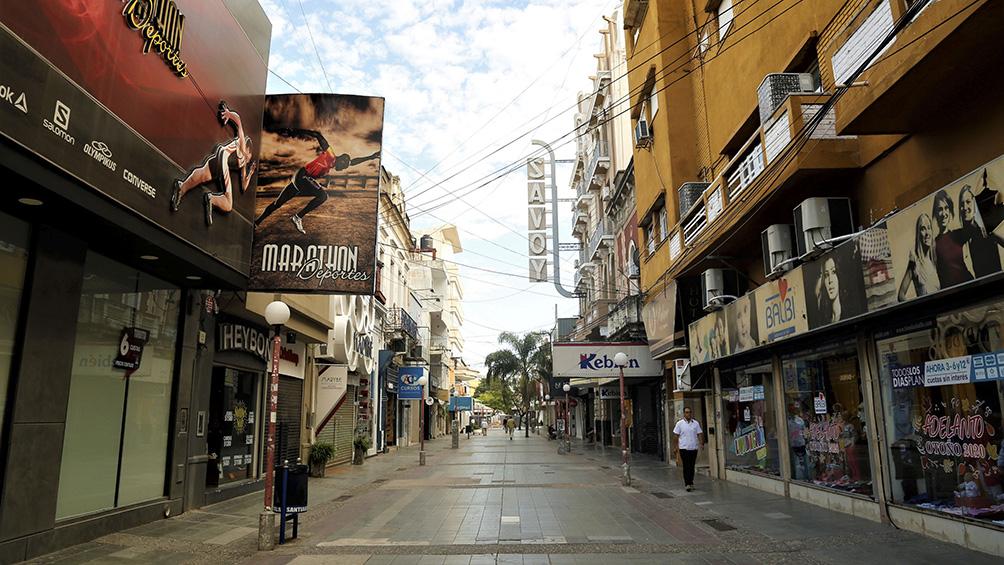 Filas en comercios, calles vacías y fuertes controles, el paronama en las provincias