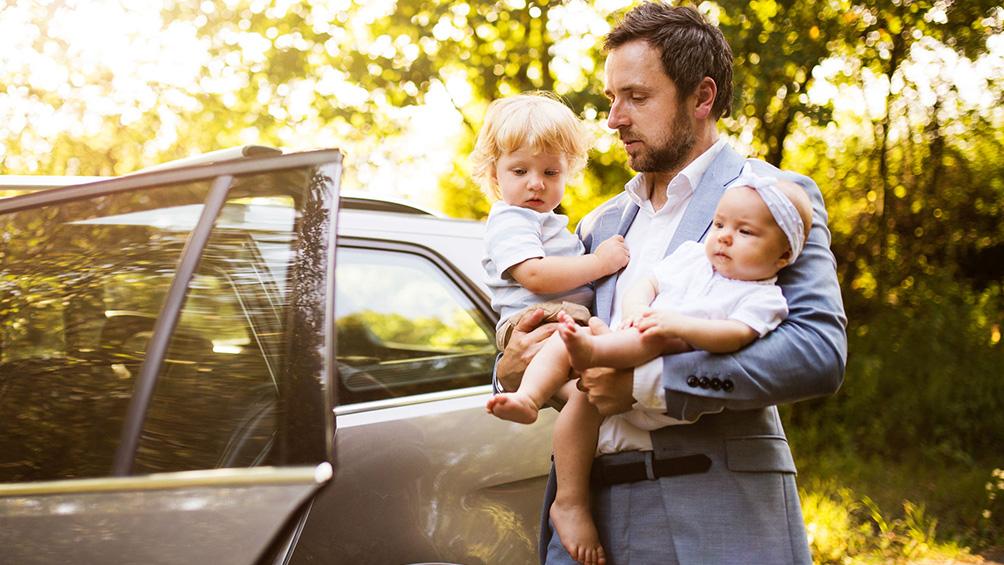 Padres separados: ¿Cómo deben trasladar a sus hijos de un domicilio a otro?