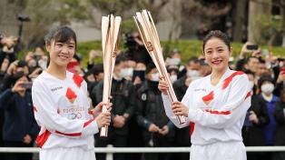 En plena pandemia de coronavirus, más de 50.000 personas visitan la llama olímpica en Japón