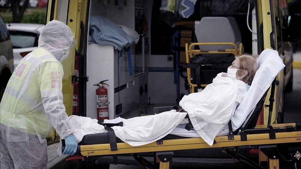 Pese a 812 nuevos muertos, la pandemia se ralentiza en España
