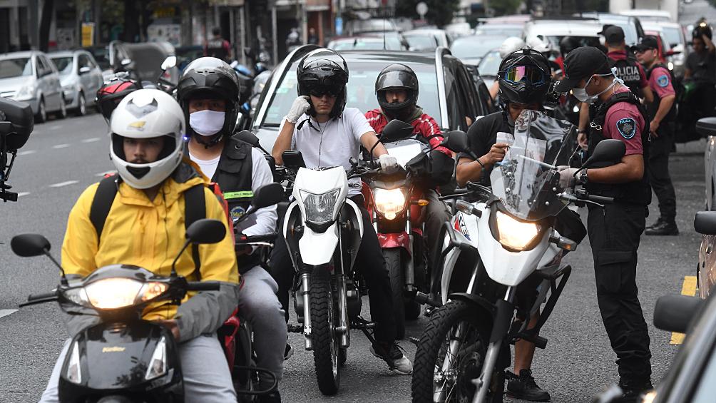 El ministro de Salud porteño se manifestó preocupado por la circulación en las calles