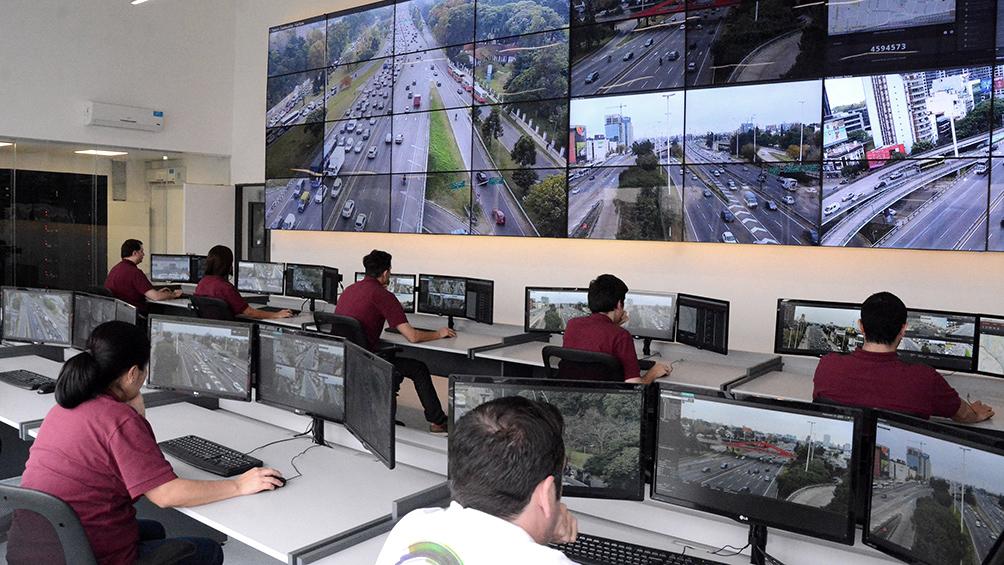 De Pedro, Rodríguez Larreta y Santilli recorrieron el centro de monitoreo de Puente La Noria