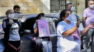 Pese al aislamiento, familiares de Claudia Repetto reclamaron justicia ante los tribunales