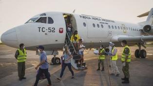 El ministro Meoni aseguró que el aeropuerto de El Palomar seguirá sus operaciones