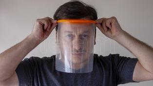 La comunidad sorda exige el uso de barbijos transparentes o máscaras faciales