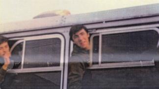 El soldado Aro, al volver de la guerra en junio de 1982.