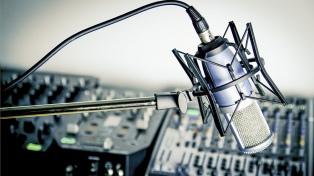 Las radios brindan 7 horas diarias de contenidos educativos