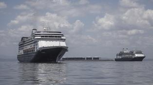 Autorizan a cruceros con pasajeros contagiados a desembarcar en Estados Unidos