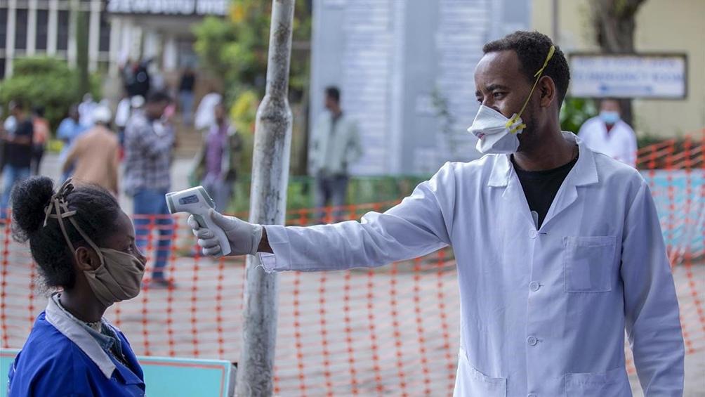 udáfrica atraviesa una segunda ola de coronavirus, ampliamente causada por la nueva variante, considerada más contagiosa.