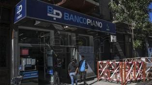 Los bancos pagarán este domingo los beneficios sociales pendientes de cobro con DNI terminados en 2 y 3
