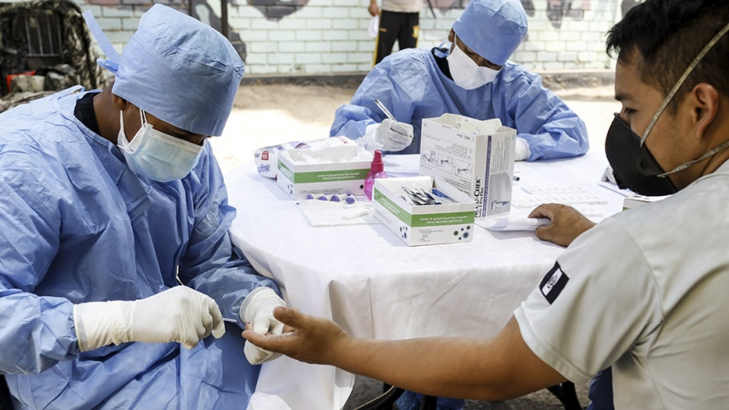 Murió en Perú una voluntaria en un ensayo de la vacuna china