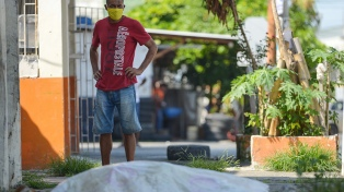Cadáveres en las calles, una imagen trágica que hizo cambiar la gestión de la pandemia