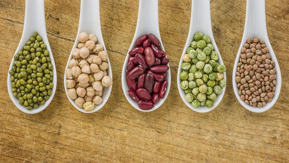 El consumo de legumbres, hasta cuatro porciones de 180 gramos por semana reduce el riesgo de aterosclerosis.