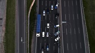 Con más controles, hay poca circulación de autos en rutas y accesos