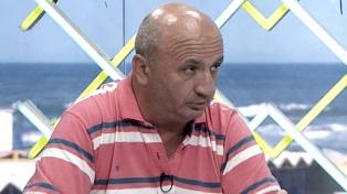 El presidente de Lanús afirmó que el fútbol argentino regresaría en septiembre