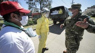El Ejército articula ayuda humanitaria en el barrio San Marcos, aislado por coronavirus