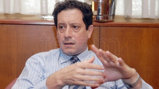 Pesce aseguró que se podrán aliviar restricciones cambiarias tras un acuerdo por la deuda