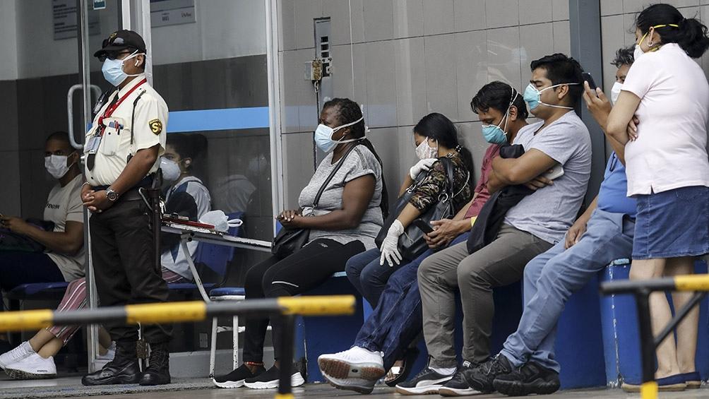 Perú es el quinto país con más casos de coronavirus en todo el mundo