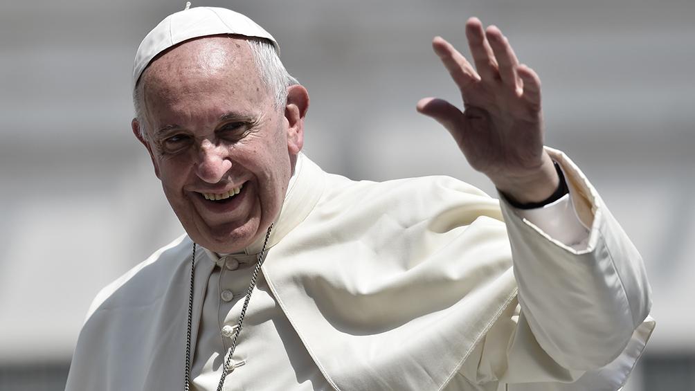 El papa Francisco subastará regalos de deportistas a beneficio de hospitales en Italia