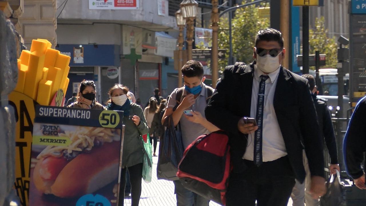 Arrancan las multas a las personas que no usen tapabocas en la Ciudad