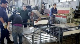 Trabajadores de Astilleros Río Santiago refaccionan hospitales de La Plata
