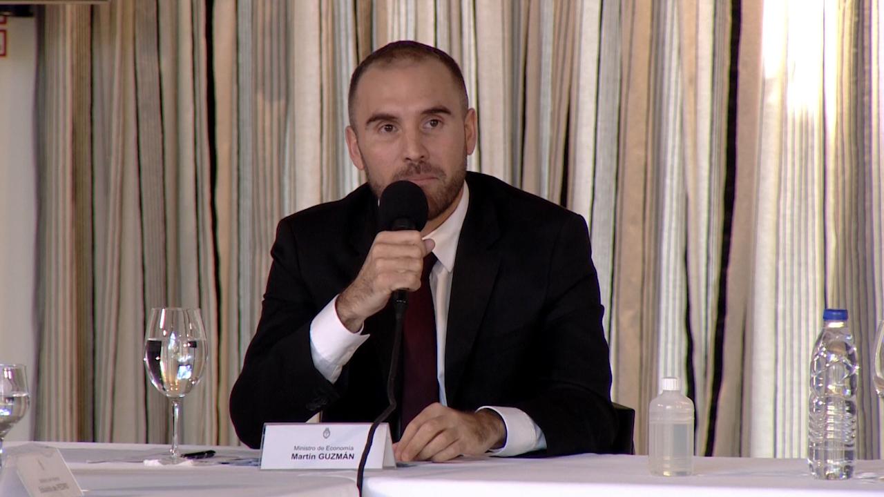 Guzmán afirmó que forzar mayor austeridad para pagar deuda sería desastroso