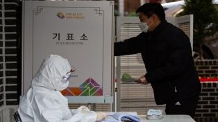 Tras las legislativas, Moon Jae-in resultó fortalecido